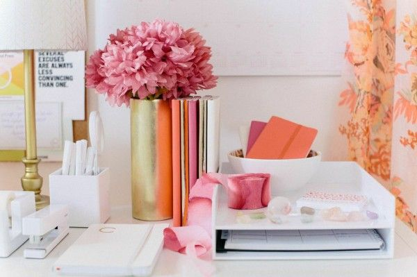 How to organize your office desk | theglitterguide.com