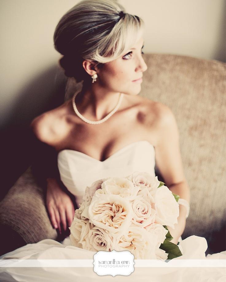 #bride #weddingphotography #wedding #weddingupdo #rosebouquet © Samantha Erin Photography