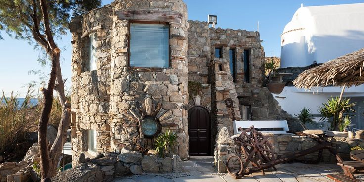Traditional style exterior of Noah's luxury villa with private pool & beach, Kivotos Hotel, Mykonos.  www.kivotosmykonos.com