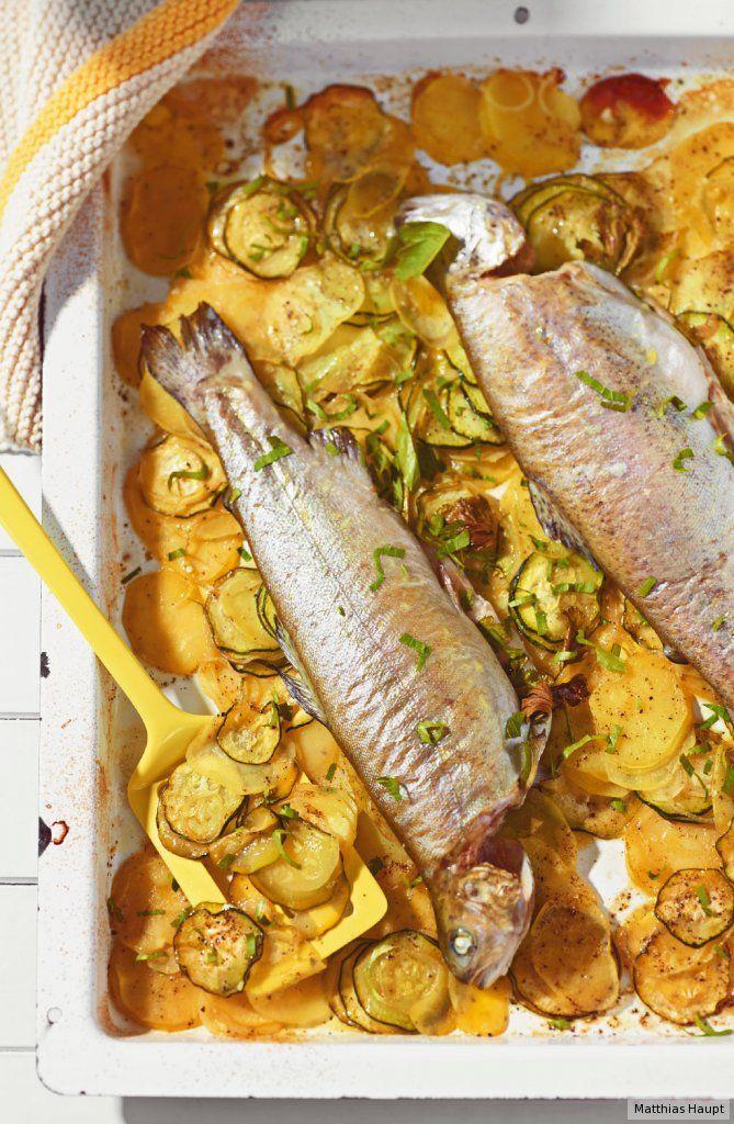 Es duftet herrlich, brutzelt von allein im Ofen, während Sie entspannt die Sonne genießen. Dazu passt Salat mit Mais-Vinaigrette.