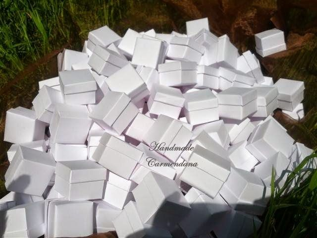 Cutiute albe / white favor box