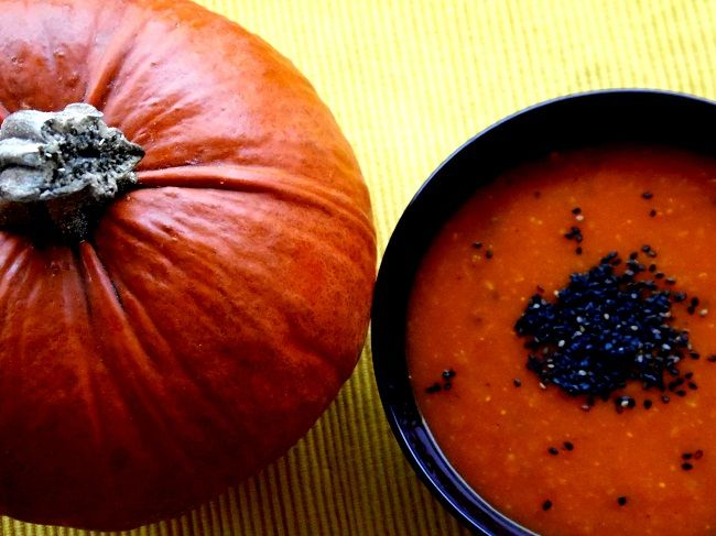 pumpkin soup with seasame seeds and fresh ginger