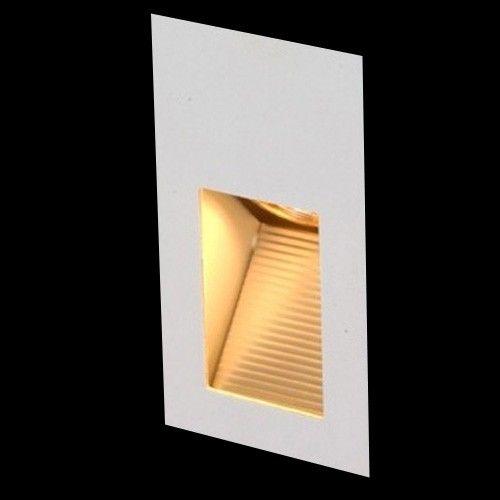 Balizador de parede retangular, foco assimétrico,  Medidas: 7,5x6,4x17,8cm,  Nicho: 6,5x17x6,4cm,  Material: Alumínio,  Cor: Branco Fosco,  1 lâmpadas GU10