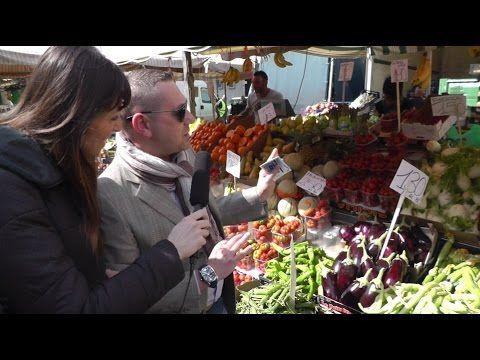 Federica Scanderebech candidata in Comune a Torino con il Partito Democratico PD continua l'ascolto delle esigenze dei cittadini torinesi dando voce con le interviste di #IoTiAscolto eccola al mercato di Corso Brunelleschi.