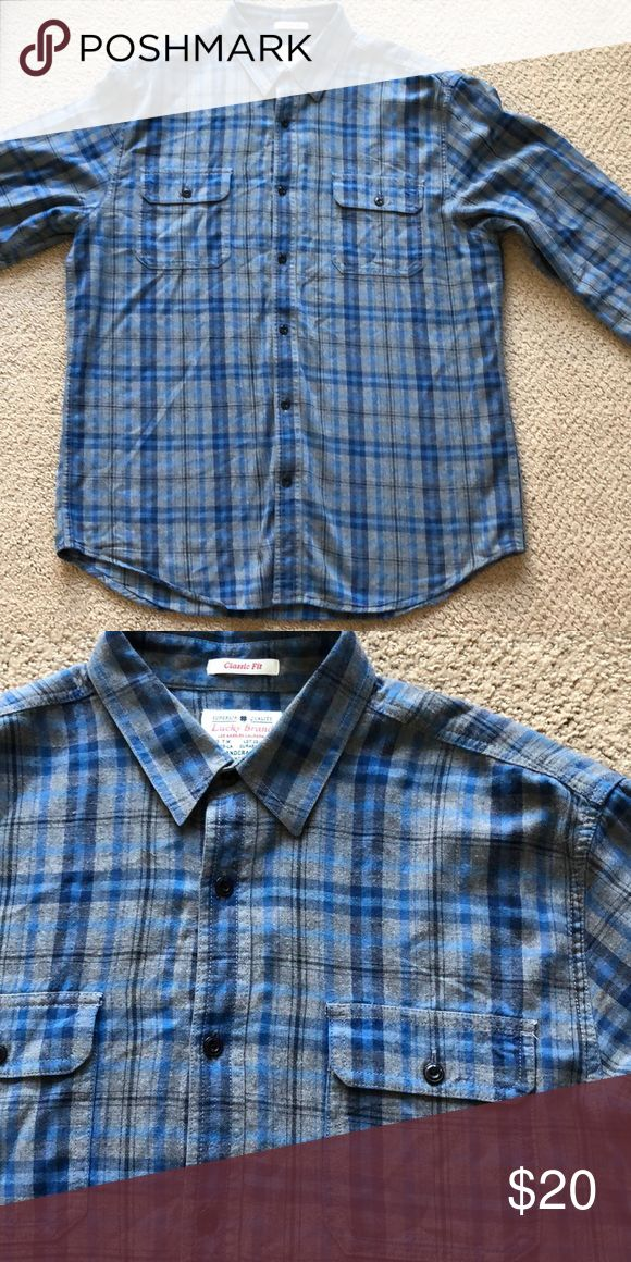Men's Lucky Brand blue flannel shirt Men's Lucky Brand blue flannel shirt with double pockets. No longer fits but in perfect condition. Only wore a couple times. Machine washable. Lucky Brand Shirts Casual Button Down Shirts