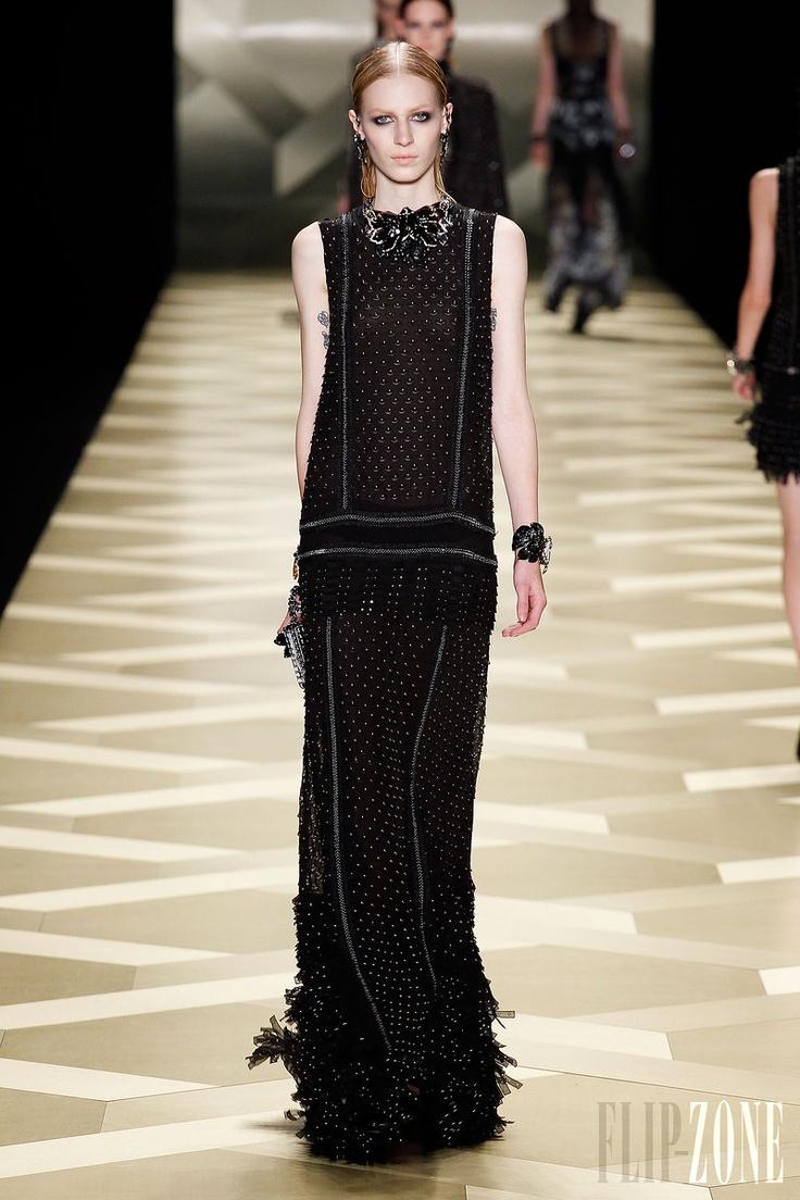 I really like the shape of this dress    Roberto Cavalli - Ready-to-Wear - Fall-winter 2013-2014 - http://en.flip-zone.com/fashion/ready-to-wear/fashion-houses-42/roberto-cavalli-3725 - ©PixelFormula