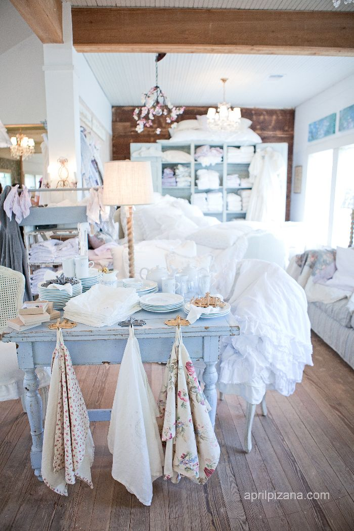 1000 ideas about blue shabby chic on pinterest aztec fabric southwestern kids sofas and. Black Bedroom Furniture Sets. Home Design Ideas