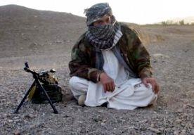27-Apr-2013 15:29 - TALIBAN KONDIGEN OFFENSIEF AAN. De Taliban hebben in een officiële verklaring het begin van het voorjaarsoffensief in Afghanistan aangekondigd. De militaire leiding zegt dat alle mogelijke middelen zullen worden gebruikt om aan de buitenlandse indringers zware verliezers toe te brengen. De beweging dreigt met zelfmoordaanslagen op militaire bases, regeringsgebouwen en ambassades. Verder waarschuwen de Taliban dat het aantal interne aanvallen, van Afghaanse militairen...
