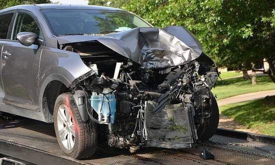 Sicurezza stradale, Commissione UE pensa a sistemi di frenatura automatica per le nuove auto