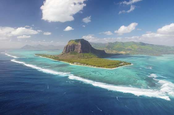 Ilhas Maurício Localizadas no sudoeste do continente africano, a quatro horas da cidade de Johanesbu.
