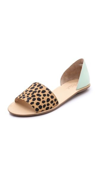 Simple and easy to slip on with a classic leopard pony hair print