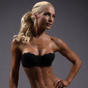 IFBB+Bikini+Pro+Anna+Virmajoki's+Full+Workout+Routine+&+Diet+Plan