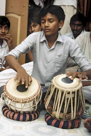 Learning a musical instrument boosts kids' brains