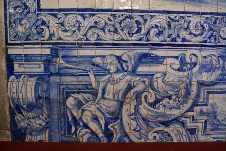 Viana do Castelo, Church of S. Bento [photo: Luzia Rocha] #globalframes #architecturalsimulation #sculpturalsimulation #blueandwhite #volumetric #figurative #theatricality #musicalinstruments #azulejo #frame #collaborativetimeline
