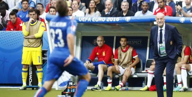 Euro - ESP - Espagne : Iker Casillas et Vicente Del Bosque font la paix Check more at http://www.lequipe.fr/Football/Actualites/Espagne-iker-casillas-et-vicente-del-bosque-font-la-paix/702799#xtor=RSS-1