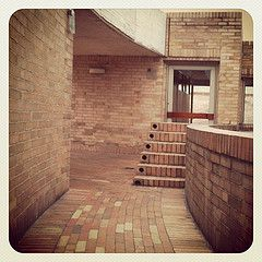 Paseo en la terraza de la biblioteca. Bogot #salmona (Yolanda Arango) Tags: ladrillo square arquitectura bogot squareformat earlybird salmona rogeliosalmona iphoneography instagramapp uploaded:by=instagram