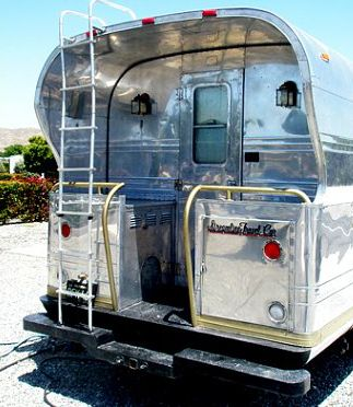 Back porch cool classic rv 39 s tow vehicles pinterest for Portico anteriore a trave aperta