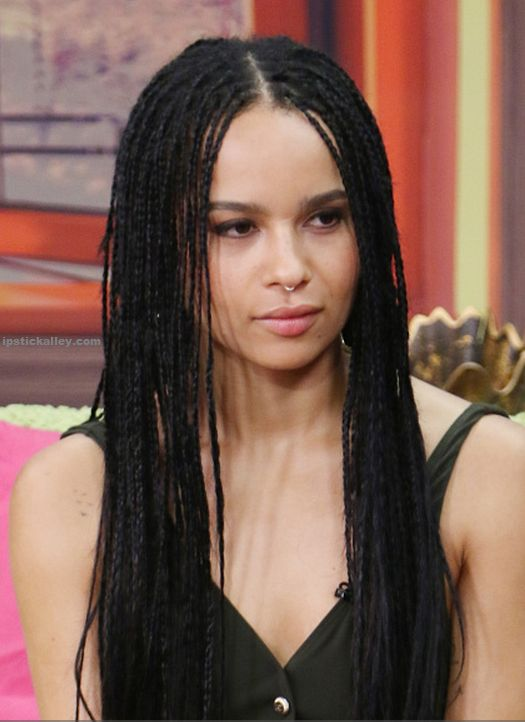 What kind of braids does Zoe Kravitz have?