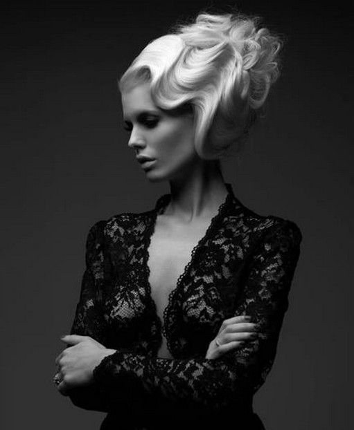 I am in LOVE with this Photo. It's the Perfect Combination of Vintage Hair with a Modern Twist.