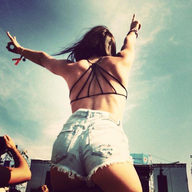 Festival Street Style - Sunset Music Festival #festivalstyle #festivalfashion