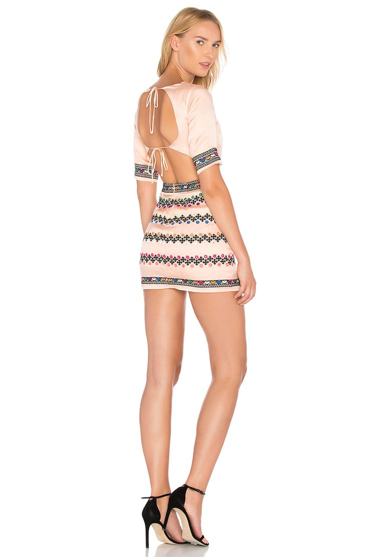 MAJORELLE Layne Dress en Barrera de coral | REVOLVE