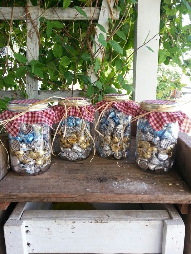 4-h gifts for the buyers after the sale. Thank you, XOXO! Hershey kisses in a mason jar! Everyone loved them, they went over well!