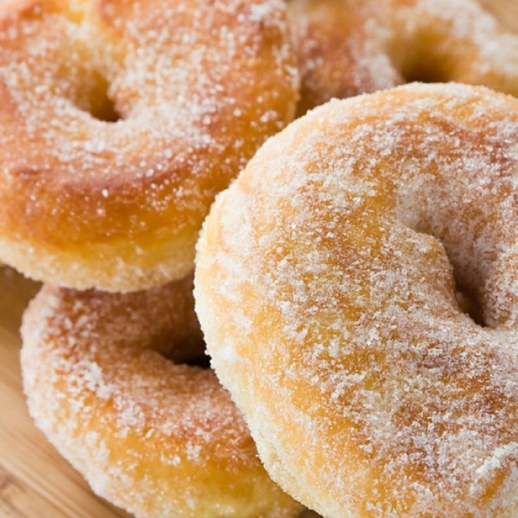 Very Delicious recipe for apple cinnamon donuts.?.