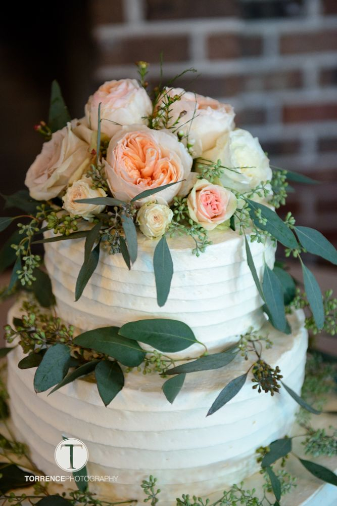 Cake by Publix ttp://www.torrencephotography.com