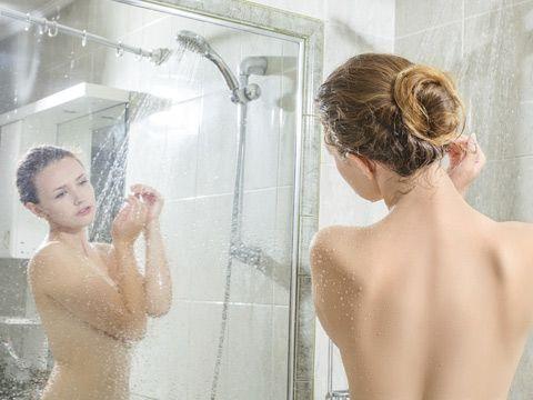 Dusche mit Spiegel