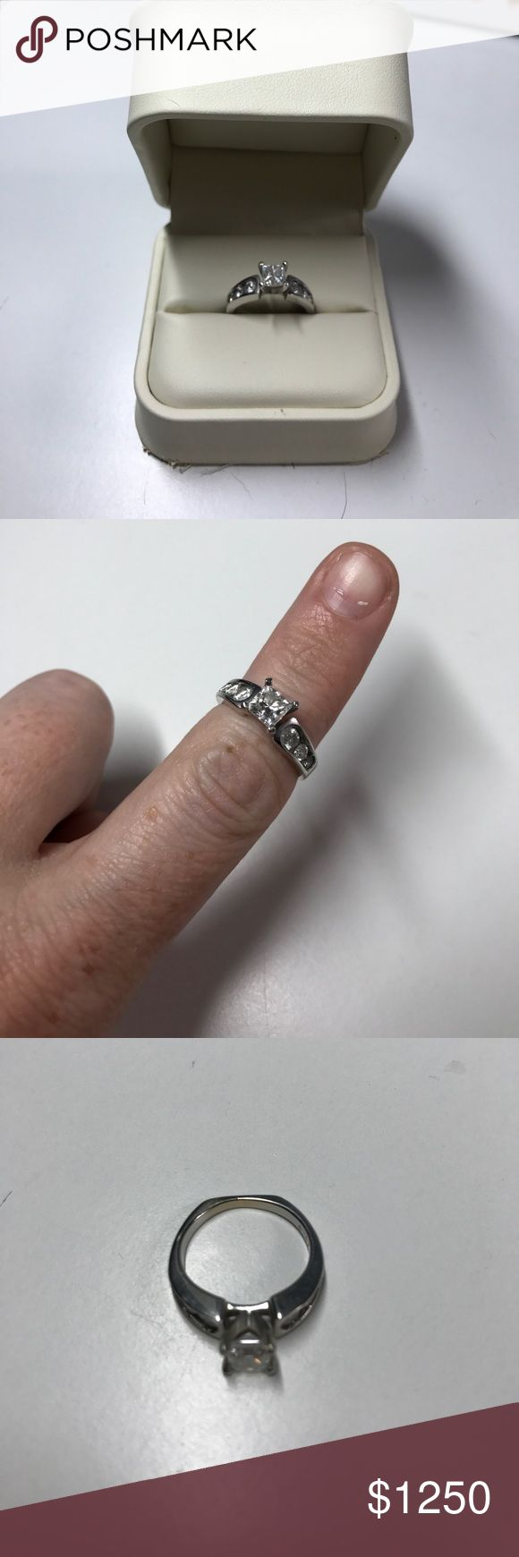 1.0k diamond engagement ring Ring was my fiancé prior to us getting engaged she wore it around her neck so there is not to much wear and tear it is a certified diamond from jareds jewlers Jared The Galleria of Jewlery Jewelry Rings