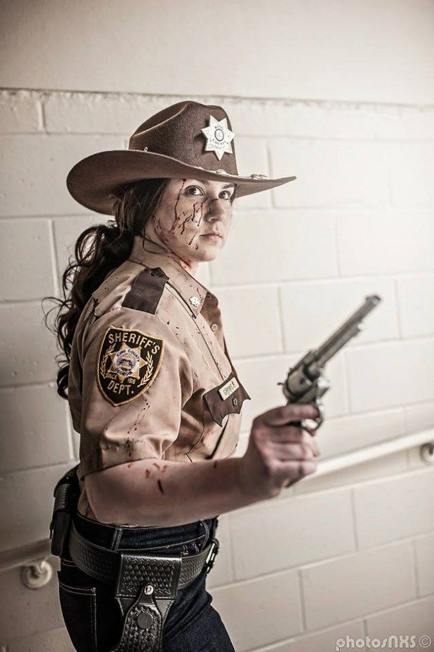 Walking Dead Rick Grimes crosplay - Cosplayed by Rachael Elle, photographed by AnimazeGuy-photosNXS