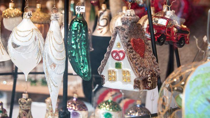 Bild: Glasschmuck am Weihnachtsmarkt in Weimar