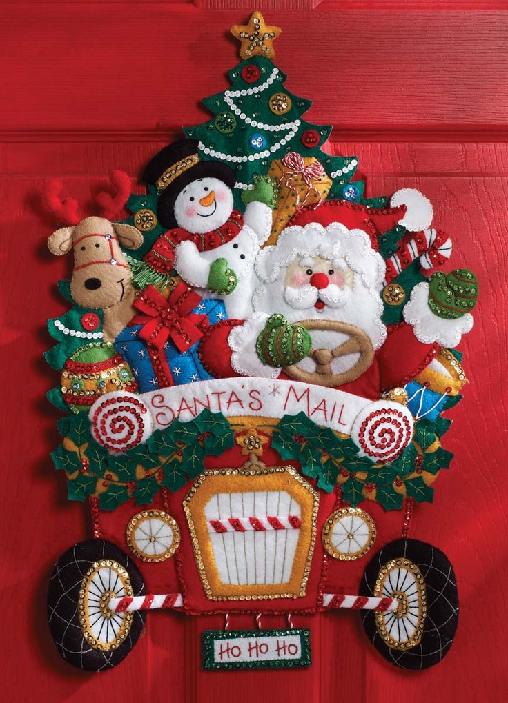 Bucilla Felt Applique Wall Hanging Kit CHRISTMAS MAIL TRUCK Home Decor