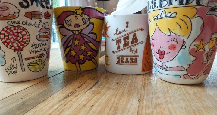 Supergoede tip: thee-aanslag verwijderen met billendoekjes. Werkt echt, zelf geprobeerd!