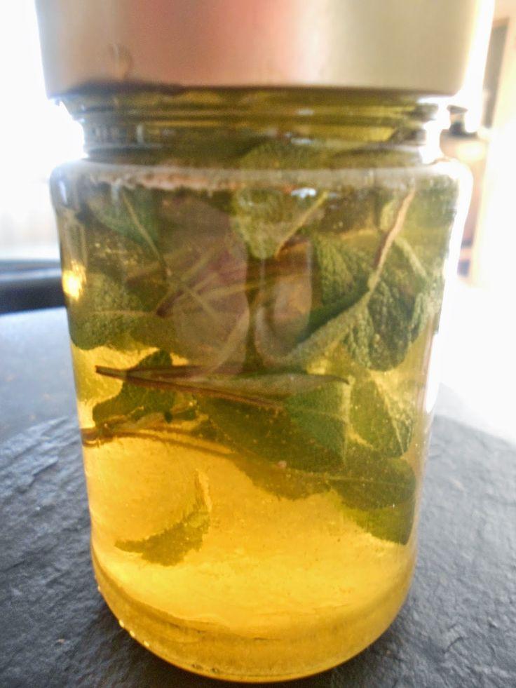 Honig ist ein anerkannter Bakterienkiller, er hilft bei chronischen Entzündungen der Nebenhöhlen, Husten und Heiserkeit und ist besser al...