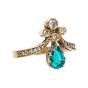 Emerald Tiara. love this ring!