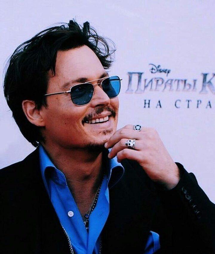 fb5a996aee8 Pin de Danielle Ramos em Johnny Depp ♥♥♥ em 2019