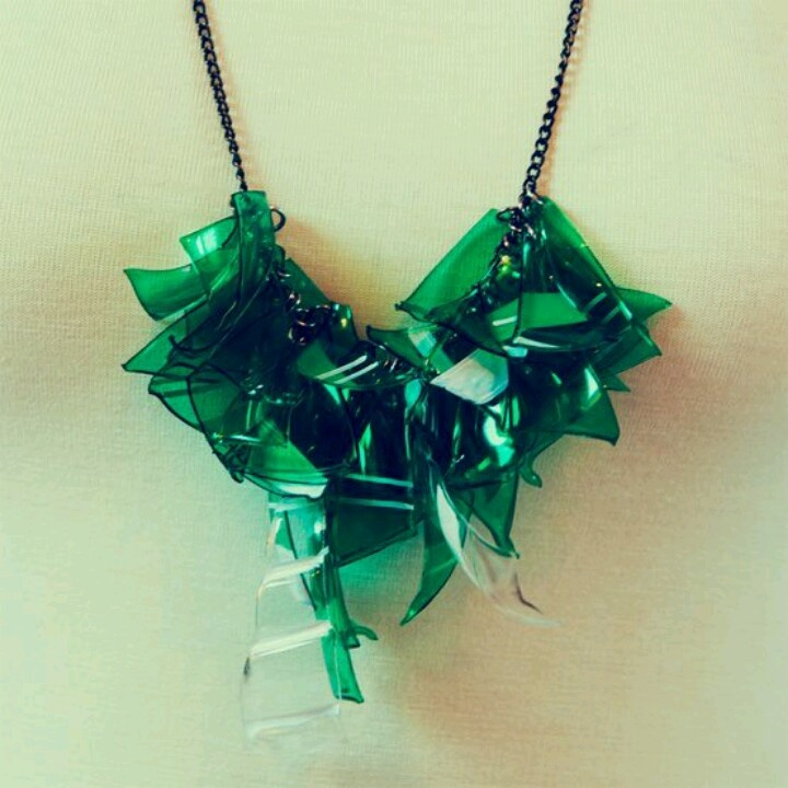 Plastic bottle necklace upcycling pinterest for Jewelry made from plastic bottles
