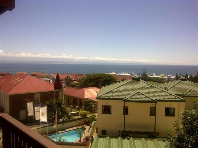 2 Bedroom Apartment for sale in Mossel Bay: 2 Bedroom unit close to the Point area in Mossel Bay. Walking distance to restaurants, shops, school and banks. Beautiful views of the ocean and the Outeniqua mountains WEB REF: AMOS-0001 #income #property #investment