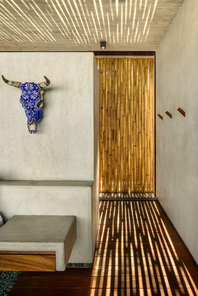 Galeria De Casa Z Zozaya Arquitectos 16 Sustainable Design Interior Rustic House Flat Roof House