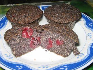 Heni modern konyhája: Meggyes-mákos muffin