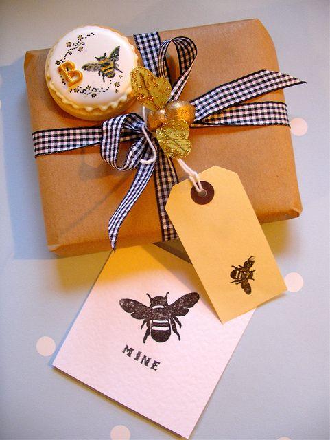 Bee mine #cookies #cute#  ❥ http://pinterest.com/martablasco/