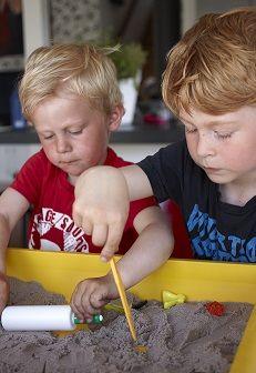 Ako pomohol kinetický piesok pri riešení konfliktu detí