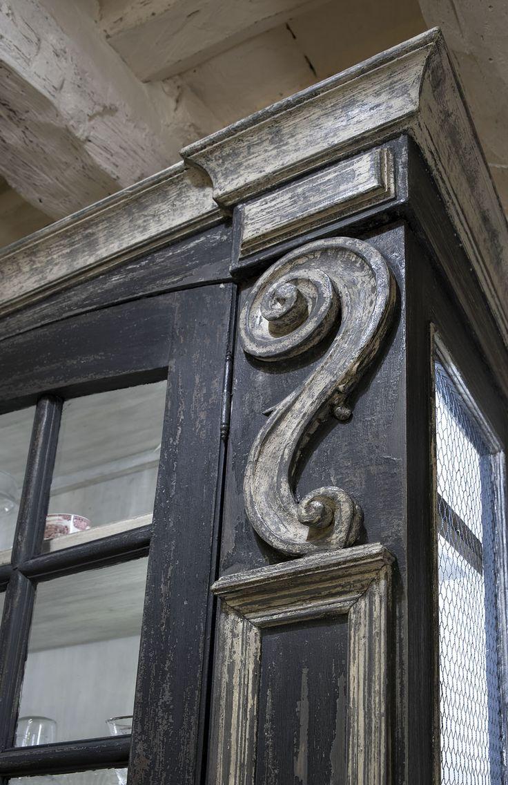 Credenza finestra antica