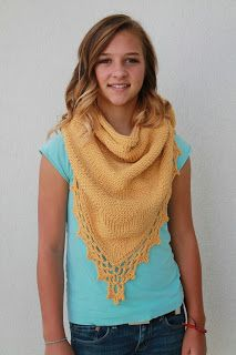 Free tunisian crochet triangle shawl pattern 'The Daisy Shawl'