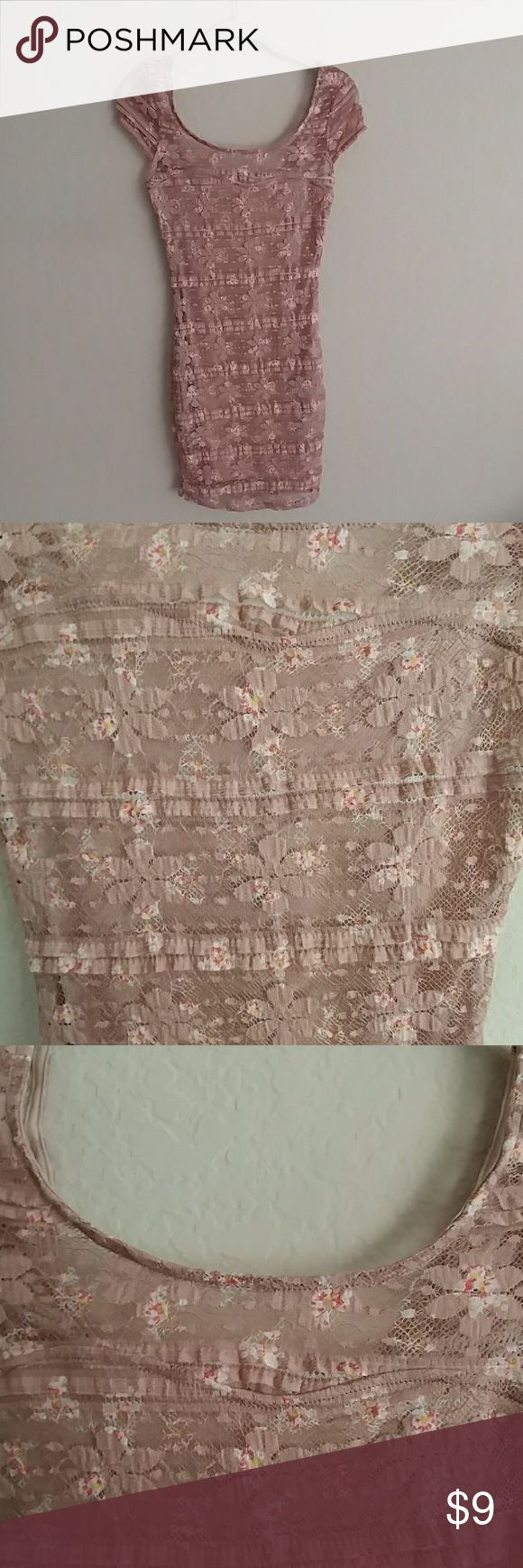 Cute fitted pink dress Cap sleeves, lace, pinky mauve color with flowers embroidered. Size xs, never been worn, excellent condition Charlotte Russe Dresses Mini