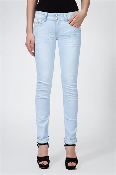 Где купить светло голубые джинсы