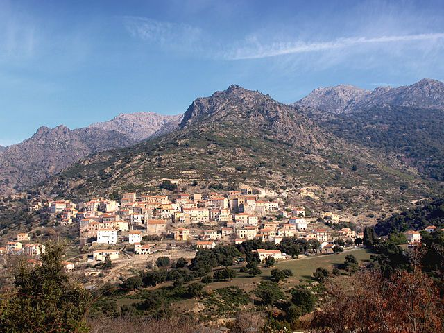Région de Ponte-Leccia - Pietralba Vue du village de Teto