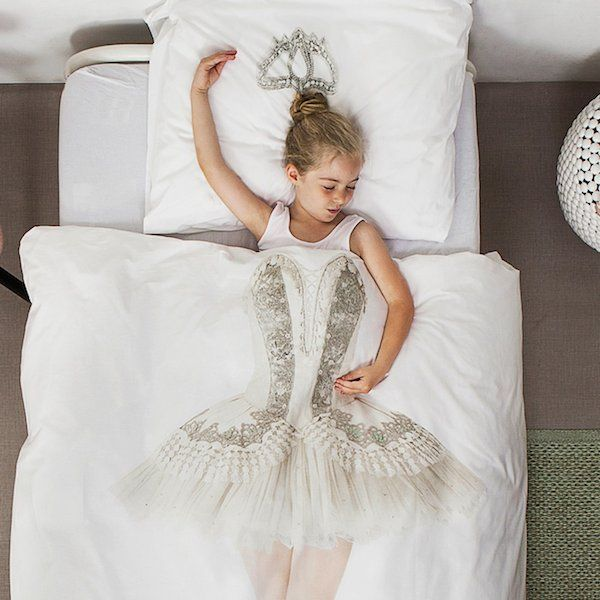 dreaming to be a #dancer? the perfect #bedding-set on #Zigzagmom. sogna di diventare una #ballerina? Il letto perfetto per #sogni d'oro su #Zigzagmom. #snurk-for-horizontal-living