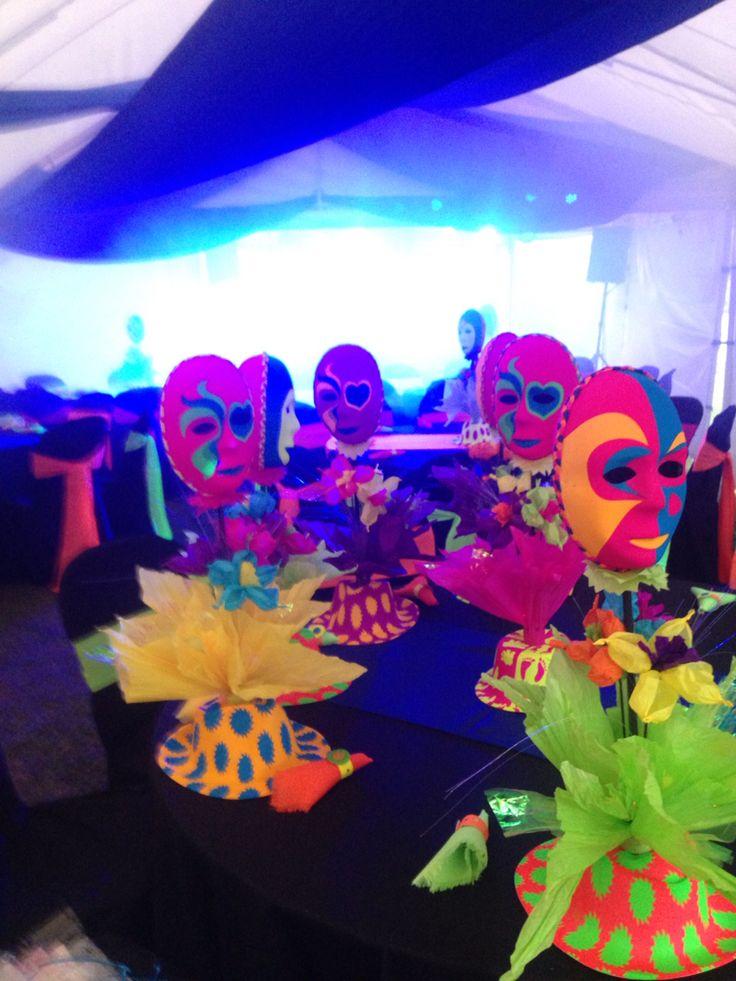 Centros de mesa para fiesta neon